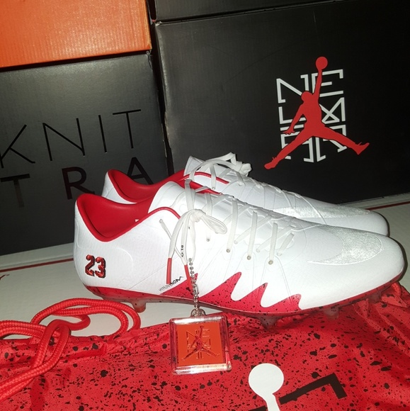 hot sale online 683b4 333d0 Neymar Jordan Hypervenom phinish NWT